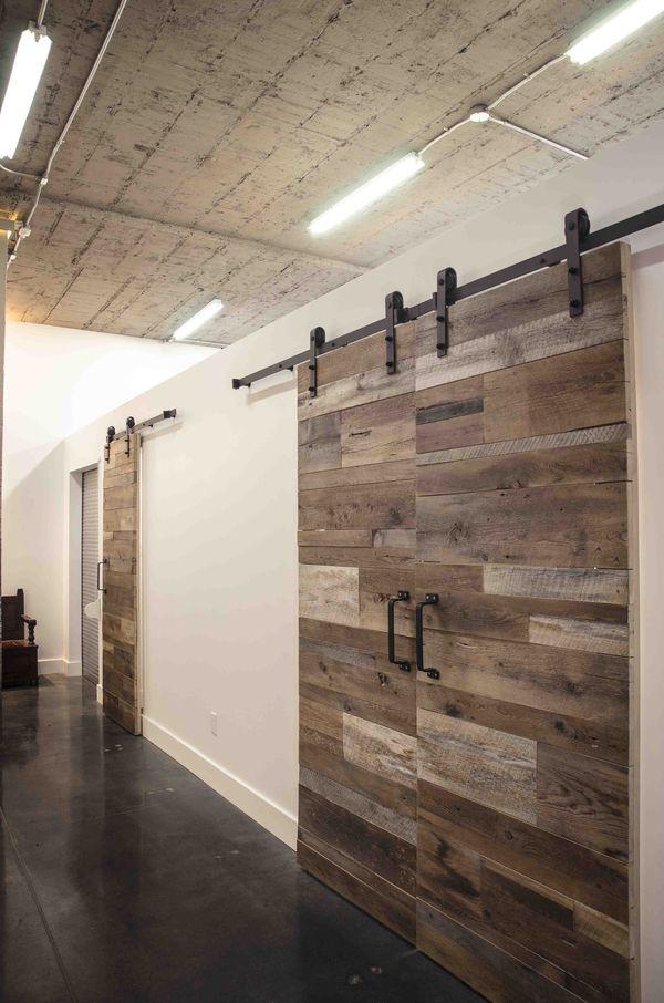 mat riauth ques com porte sur rail en bois de grange bois brut. Black Bedroom Furniture Sets. Home Design Ideas